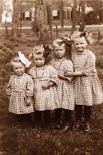 Photo: Siny, Giny, Antje en Alie Knoop