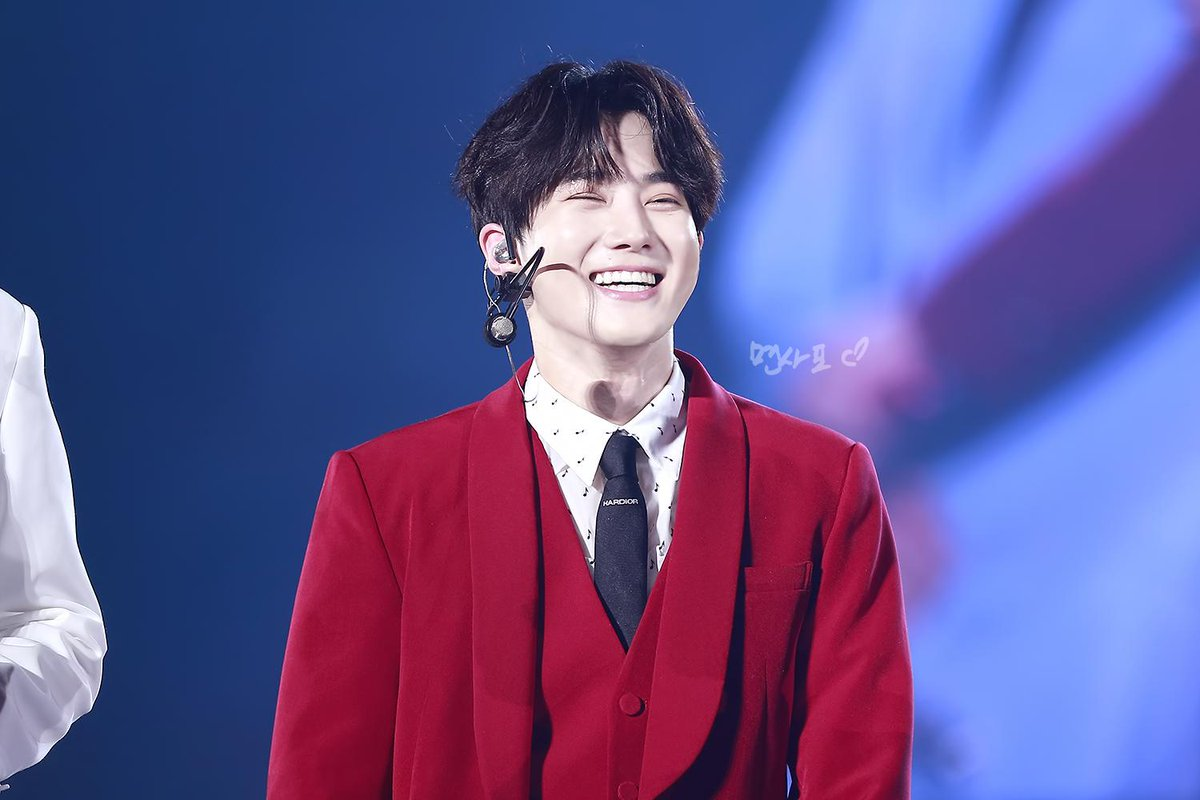 suho smile
