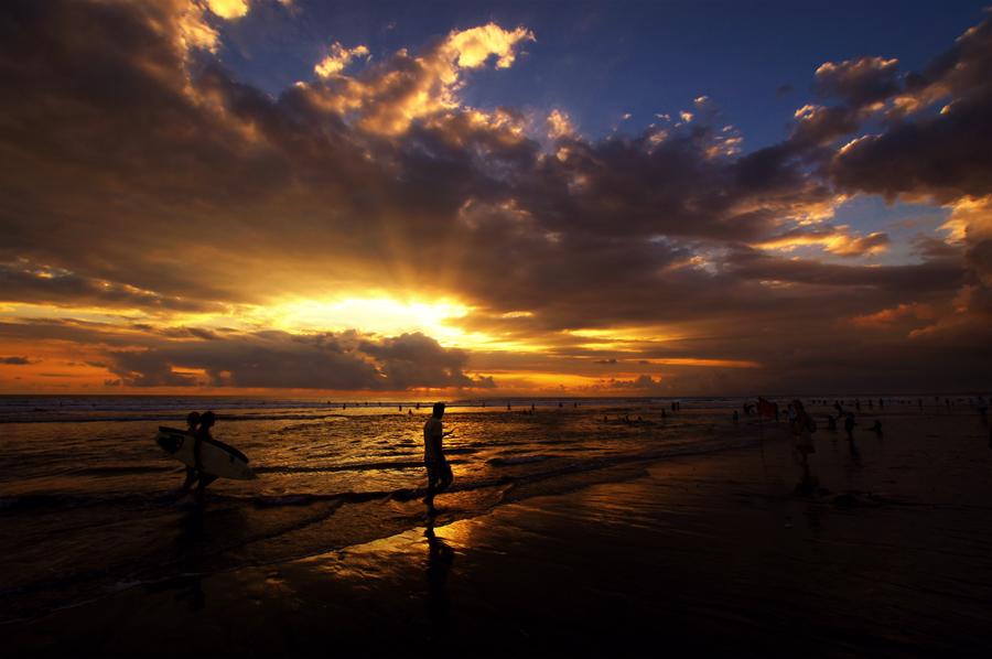 Kuta Beach by Arif Setiarjo - Landscapes Travel