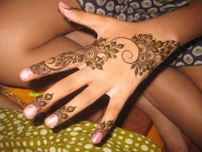 Download Simple Mehndi Designs For Girl Free