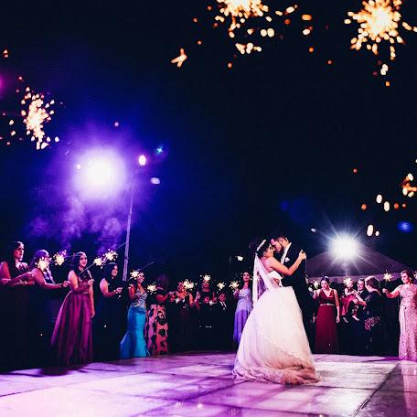 Wedding photographer Hector León (hectorleonfotog). Photo of 14.01.2018