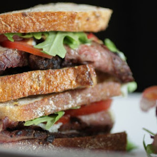 GORGONZOLA FLANK STEAK SANDWICH
