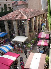Photo: Dimanche jour de marché - Place de la Halle - St Antonin