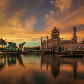 Sultan Omar Ali Saifuddien Mosque by Aaron Sim - Buildings & Architecture Places of Worship ( #brunei, muslim, sarawak, golden hour, sunset, asian, scenery, malaysia, photography, #mosque )