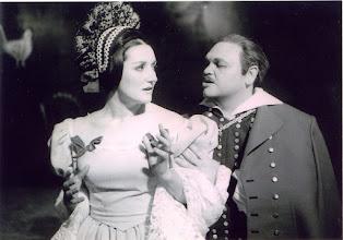 """Photo: Elsa KASTELA-KREIHSL als """"Agnes in Smetanas """"Zwei Schwestern""""."""