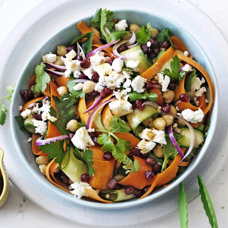 Bật mí cách làm các món salad giảm cân đơn giản và hiệu quả