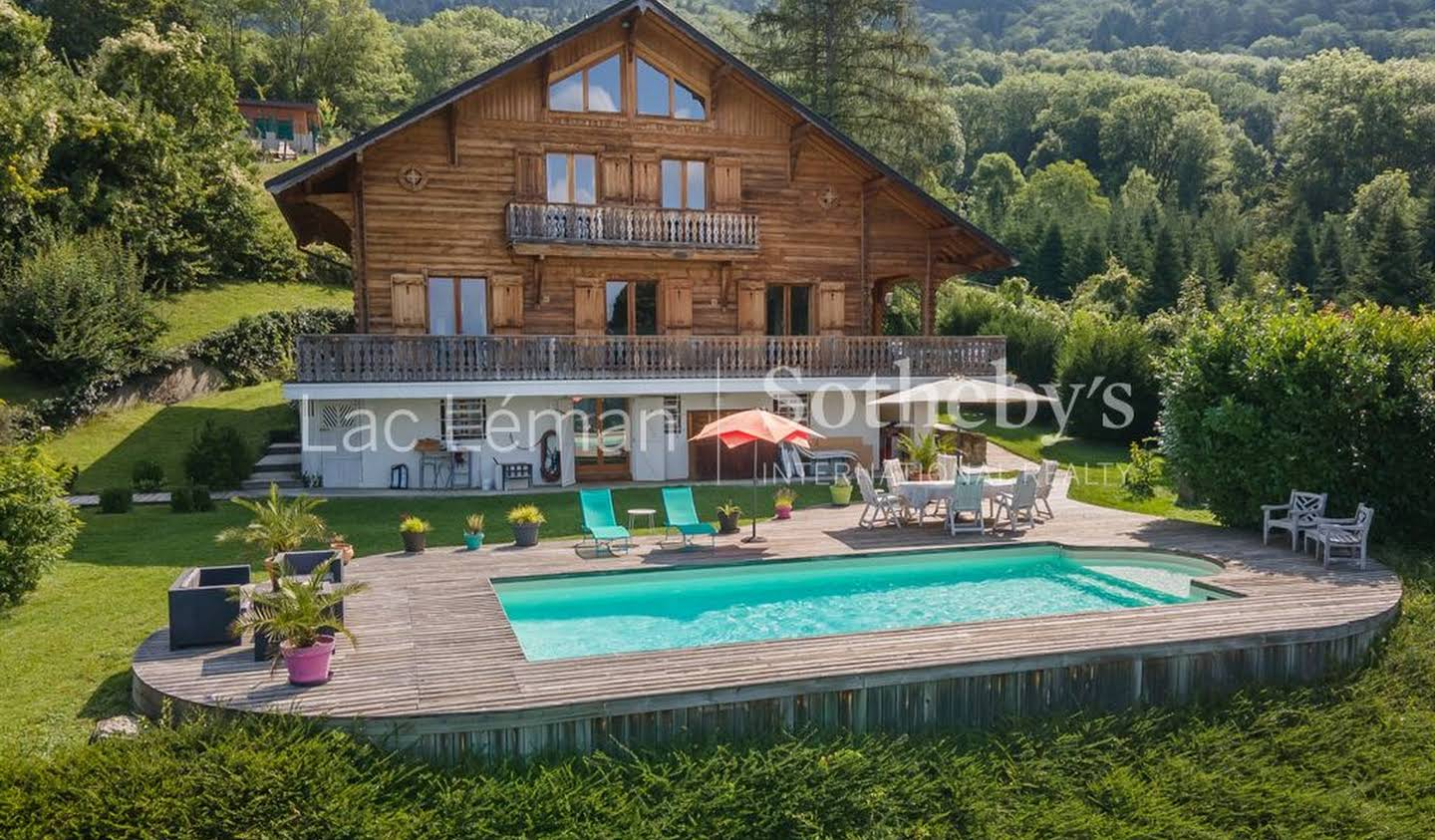 House with pool and terrace Saint-Cergues