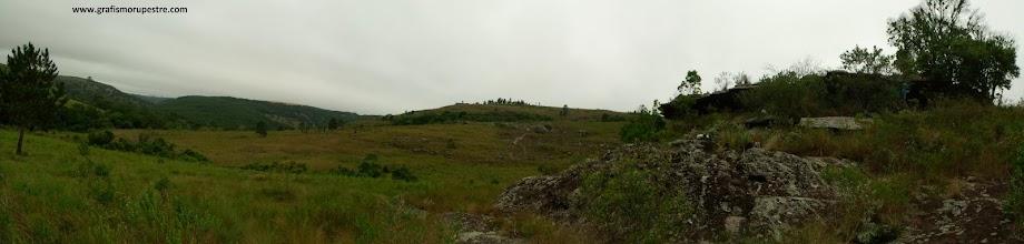 O Abrigo Usina São Jorge no alto de um morro do vale do Pitangui – Ponta Grossa - Paraná. Foto: Jean Felipe Goes, 2009.
