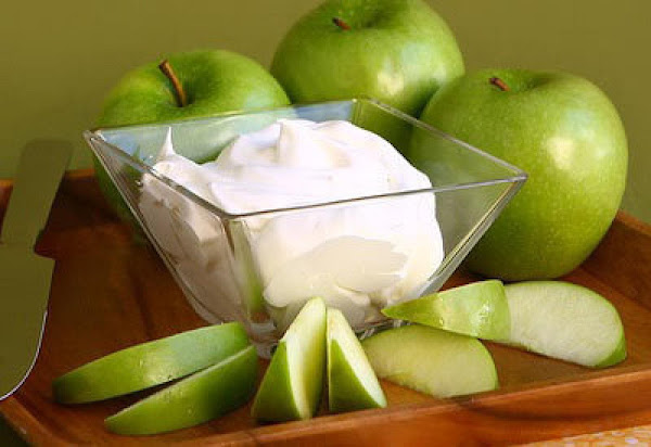 Apple Slices With Yogurt Dip Recipe