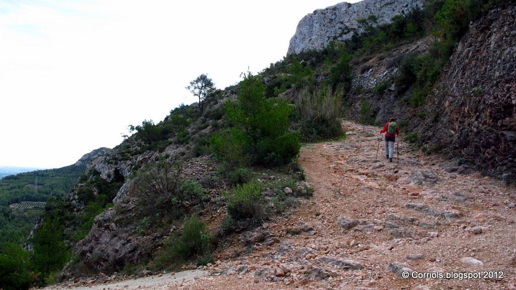 Photo: Camí cap al Coll de la Creu