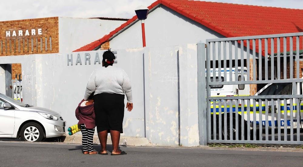 Top-parlementslid help mamma wat sukkel met polisie ná die verkragting van die 3-jarige kind - SowetanLIVE
