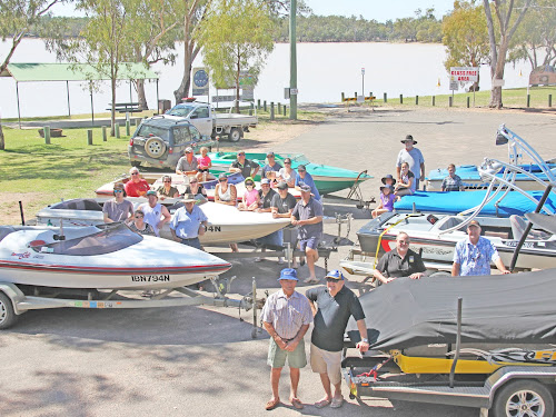 ON SIDE: Local boat owners joined with members of the Yarrie Lake Bore Working Group at the lake in Sunday morning, including, back, Rodney Burr, Mackenzie Cole, Scott 'Chunk' Seymour, Paul Fernance, Shay Fernance, Andrea Fernance, Ian 'Smithy' Smith, Bella Lettice, Tashanny Clark, Krista Zarka, Noel Lettice, Jamarl Zarka, third row, David and Deb Corby, Alicia McLachlan, Jonathan Kebby, Scarlet McLachlan, Matt Tubner, Chris Fox, Justin Tebby, second row, Drew Garden-Thorn, Natalie Kebby, Matthew Foxe, Ian Duffey, Russell Stewart, Andrew John, front, Bernie Smith and Lester Kelly.