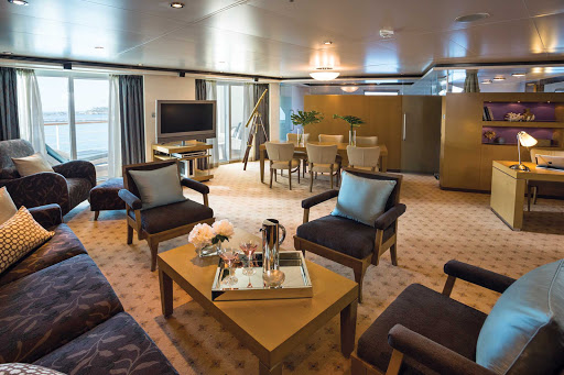 seven-seas-voyager-Master-Suite.jpg - At 1,403 total square feet, the Master Suite on deck 11 of Seven Seas Voyager features 2 1/2 marble bathrooms, a wrap-around balcony, 2 spacious bedrooms and an expansive living room.