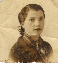Photo: Oliva, madre de Candi