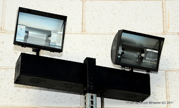 Photo: Al Engholm brought out this pair of high intensity lights, to see if they would help with taking pics of dark-colored cars. I'm not sure that they did... (Thanks just the same, Al!)