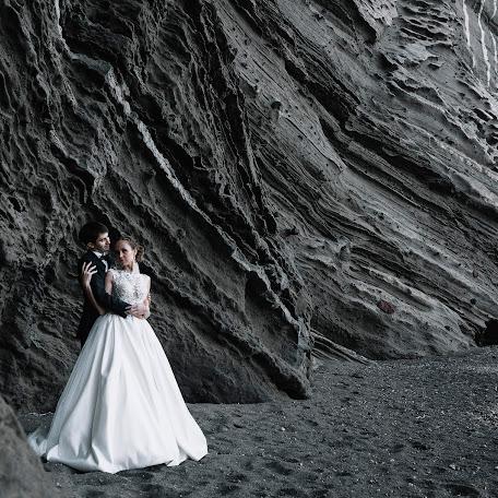 Wedding photographer Yuriy Berkh (Berkh). Photo of 27.11.2017