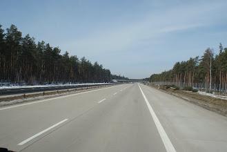 Photo: dit stuk snelweg is perfect, in tegenstelling aan de andere kant van de vangrail...