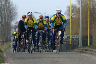 Photo: Openingsrit, langs de Leidsevaart bij Noordwijkerhout. Foto: tino.fotopic.net