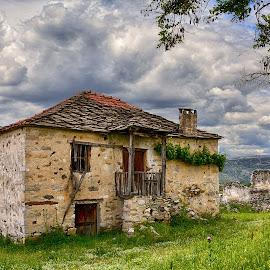 Abandoned house by Katerina Mavrovska - Buildings & Architecture Decaying & Abandoned