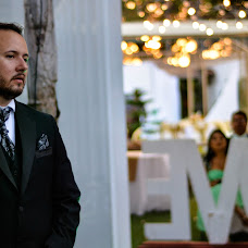 Wedding photographer Miguel Cali (miguelcali20). Photo of 14.08.2017