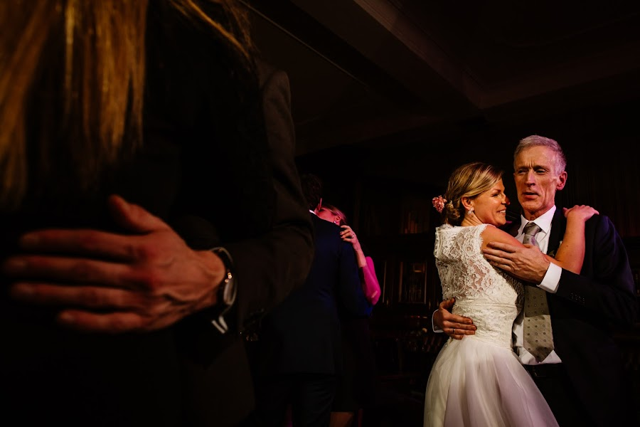 Wedding photographer Leonard Walpot (leonardwalpot). Photo of 24.12.2016