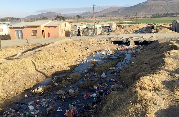 KYK   EKSKLUSIEF: Hoe die riviere van die Oos-Kaap besig is om lewensgevaarlike rioolwater te word - DispatchLIVE
