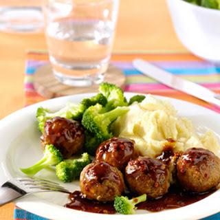 Kruidige Gehaktballetjes Met Pikante Jus, Broccoli En Aardappelpuree
