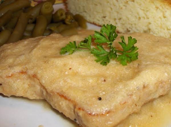 This Dish Reminds Me Of One I Used To Eat, When I Lived In Central West Germany, Back In The 80's. It Was Called Schnitzel (or Schweinfleisch) Mit Apfelmousse ... Or A Pork Chop With A Creamy Apple Sauce. It's Very Tasty!