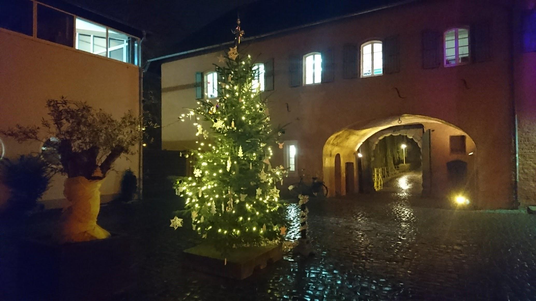 Schloss Rheydt Innenhof bei Nacht