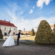 Wedding photographer Olya Konovalec (olyakonovalets). Photo of 11.03.2017
