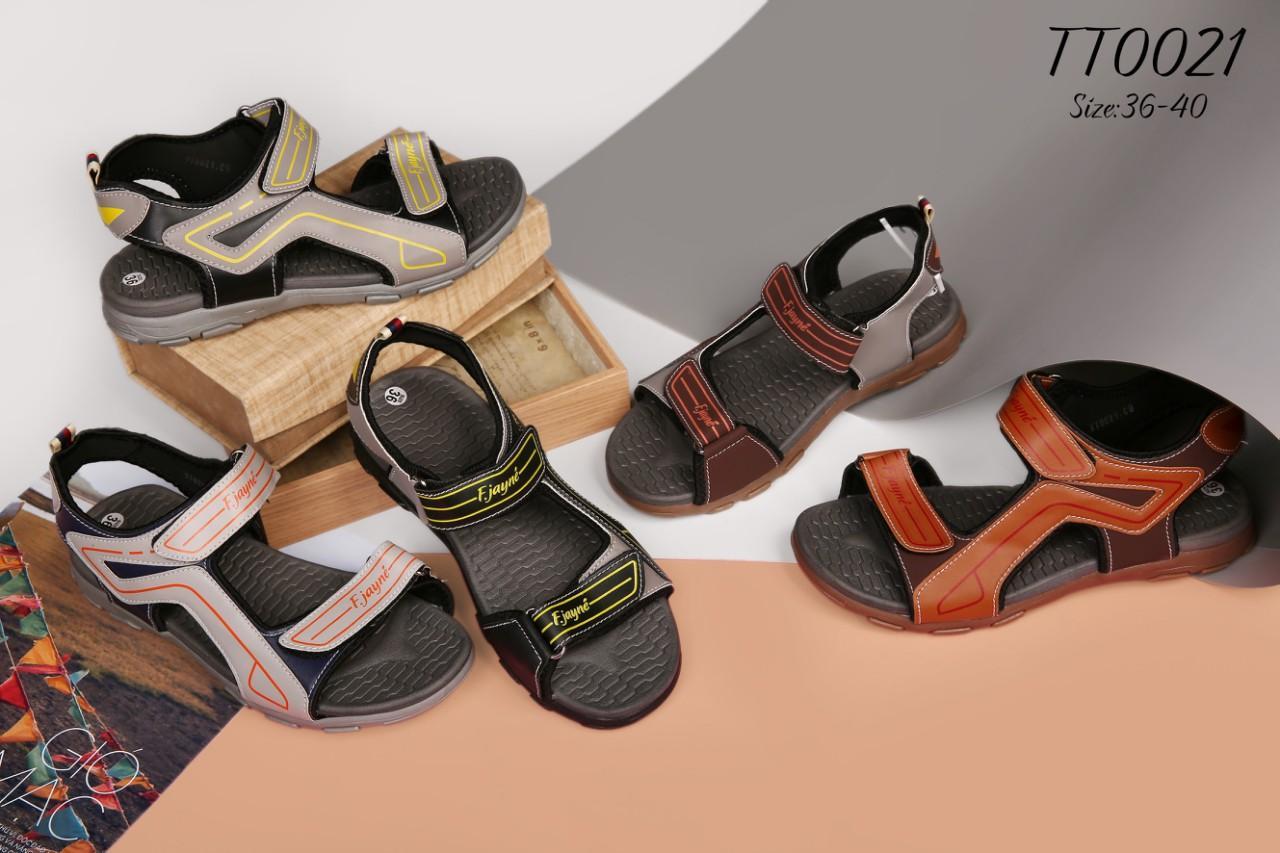 Mẫu giày trẻ em phổ biến