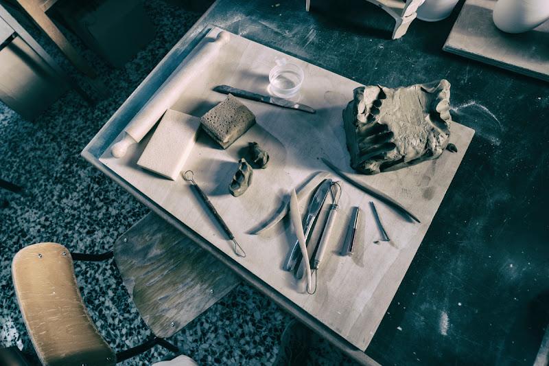 Il  tavolino del ceramista di bondell