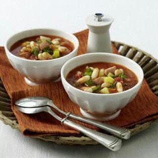 Serbische Bohnensuppe (bei Mutti essen)