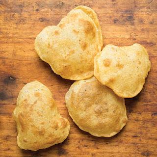 Puri (Deep-Fried Indian Bread)