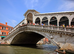Photo: 20. 5. 2011 Ponte Rialto je největší a jistě nejkrásnější Benátský most http://agnesobrazkov.webnode.cz/news/italie-benatky/