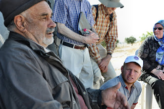 Photo: A villager, who in 1985 experienced the eviction of Susyia, tells us his stories.
