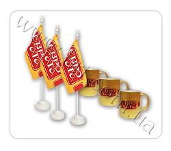 Photo: Флажки настольные, кружки с логотипом для ресторана быстрого питания Еврохата