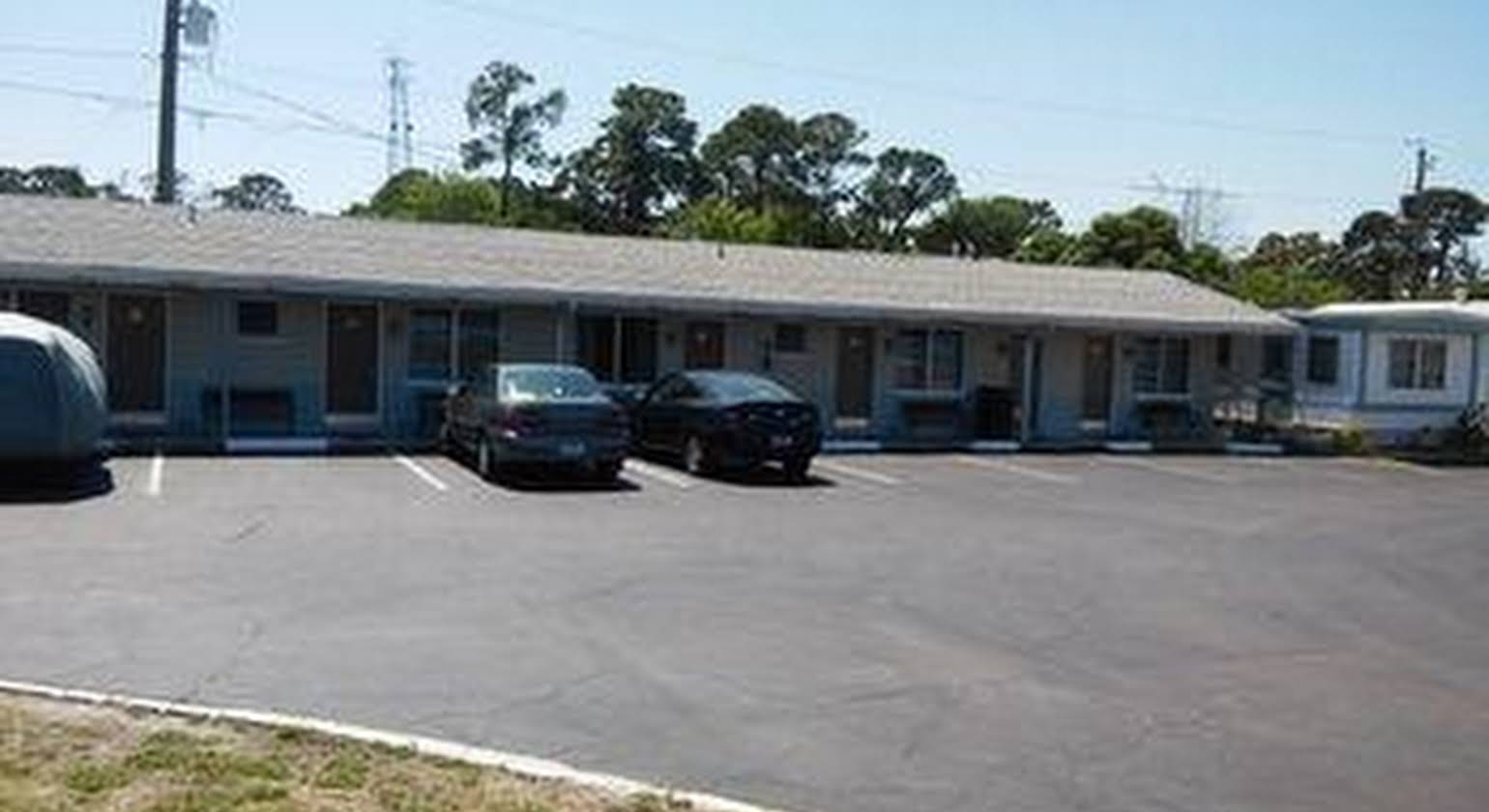 Carters Motel and Mobile Home Village