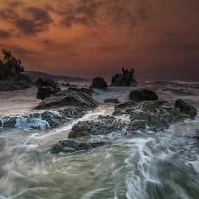 Morning waves by Agung Hendramawan - Landscapes Waterscapes ( #nikon, #landscape, #beach )