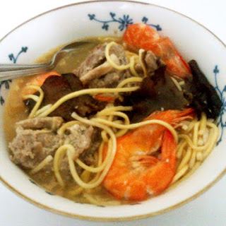Asian Pork And Shrimp Noodles w/Cocomilk