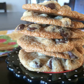 THE BEST CHOCOLATE CHIP COOKIES IVE EVER MADE.
