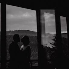 Wedding photographer Piotr Zawada (piotrzawada). Photo of 03.10.2018