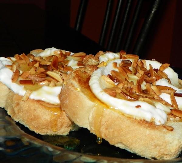 Toast With Greek Yogurt, Hazelnuts & Honey For Recipe 1