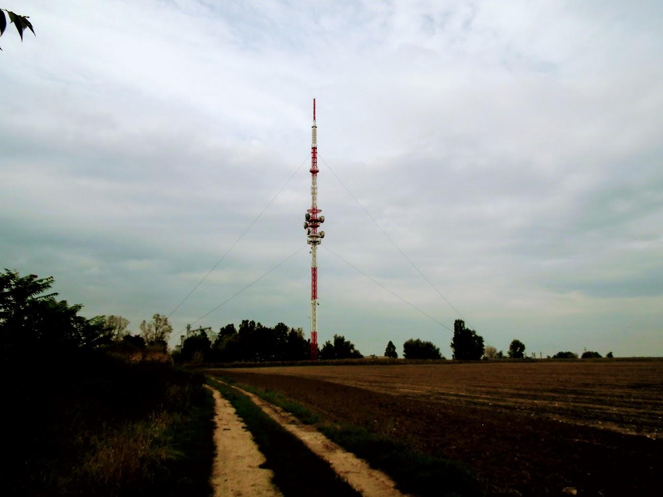 Csávoly - TV-URH gerincadó állomás