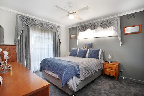 Photo of property at 2 William Avenue, Hallam 3803
