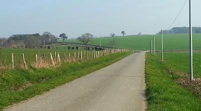 Photo: Petites routes légèrement vallonnées entre St-Nicolas de Redon, et Pléssé.