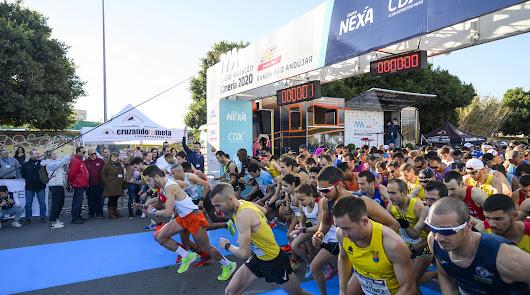Almería vive a tope la fiesta del atletismo en la Media Maratón
