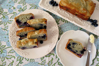 Photo: Blueberry Muffin Bread - A sweet and moist quick bread made with fresh blueberries and a sugar crumble topping.  http://www.peanutbutterandpeppers.com/2012/12/14/blueberry-muffin-bread/  #blueberries   #bread   #quickbread   #yogurtbread   #healthyrecipes   #fruit   #blueberrymuffins