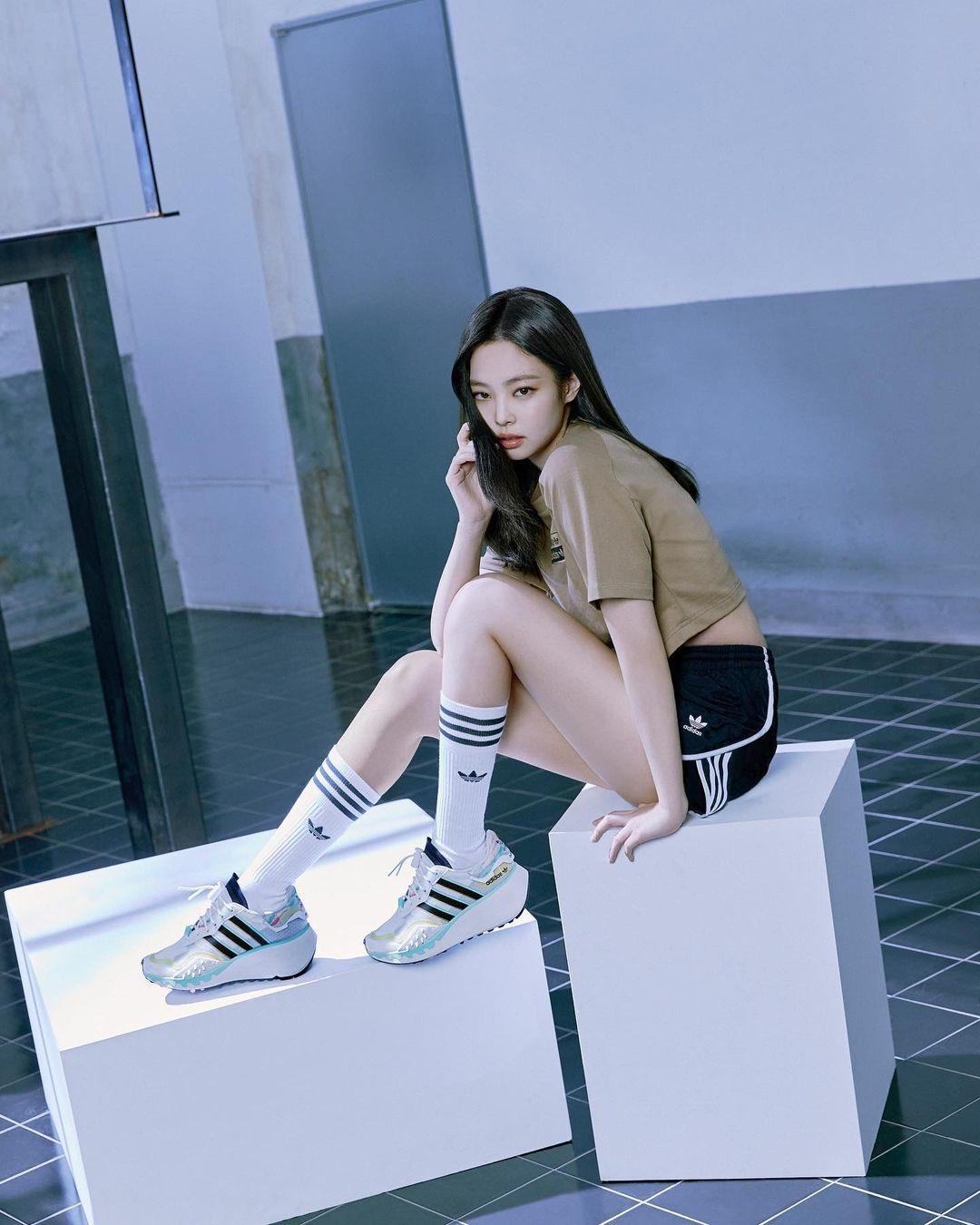 jennie adidas2