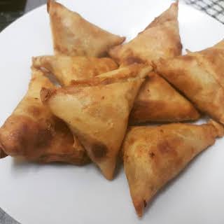 How to Make Homemade Sambusa | Somali Samosas | Homemade Pastry with Fillings.